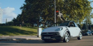 Tout sauf mignonne : Opel lance la campagne de pub de l'ADAM ROCKS
