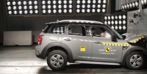 La nouvelle MINI Countryman obtient 5 étoiles au classement du crash-test Euro NCAP.
