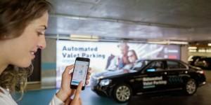 Bosch et Daimler font démonstration d'un parking sans conducteur : première mondiale dans le parking multi-étages du Mercedes-Benz Museum