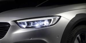 Retour à l'heure d'hiver : Opel apporte plus de sécurité avec ses innovations en éclairage