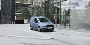 Ford dévoile ses derniers ajouts à la gamme Transit la plus vendue – Découvrez les nouveaux fourgons Transit Connect et Transit Courier