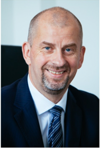 Niels Kowollik succède à Eberhard Kern au poste de CEO Mercedes-Benz Belgium Luxembourg et de Head of Market Operations MBCars BeNeLux