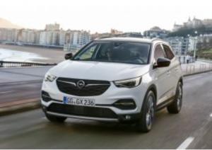 Grandland-X Ultimate: Opel tire sa gamme vers le haut