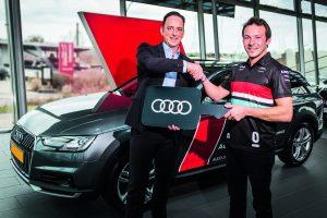 Une collaboration passionnante : Audi Luxembourg remet les clés d'une nouvelle Audi A4 Avant Allroad au pilote Audi Sport, Jean- Karl Vernay.