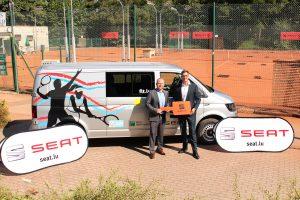 SEAT Luxembourg remet un nouveau véhicule à la FLT
